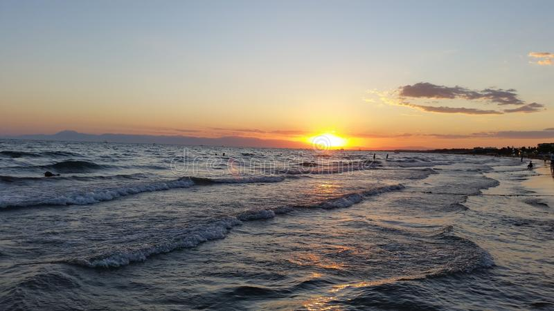 Tempo agradável, mar bonito:) fotografia de stock royalty free