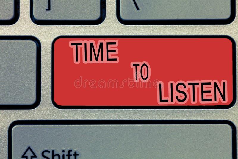Tempo da escrita do texto da escrita escutar O significado do conceito dá a atenção a alguém ou a algo a fim ouvir-se imagens de stock royalty free