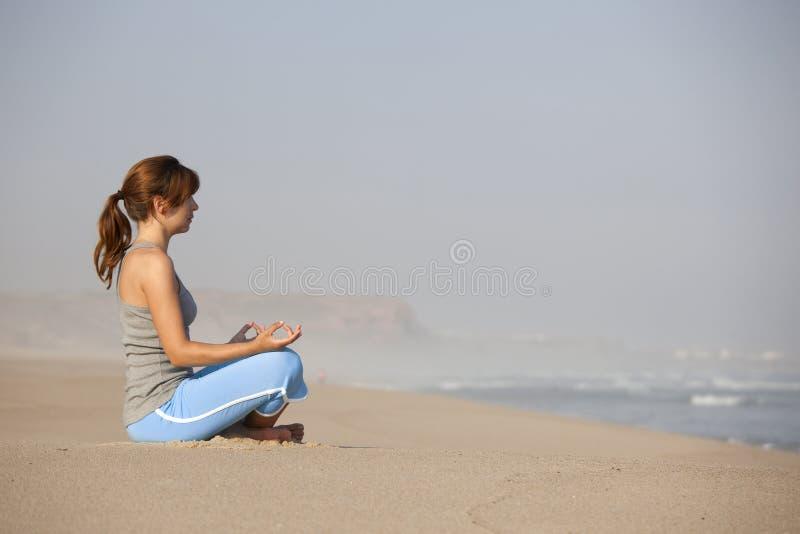 Tempo da ioga imagens de stock royalty free