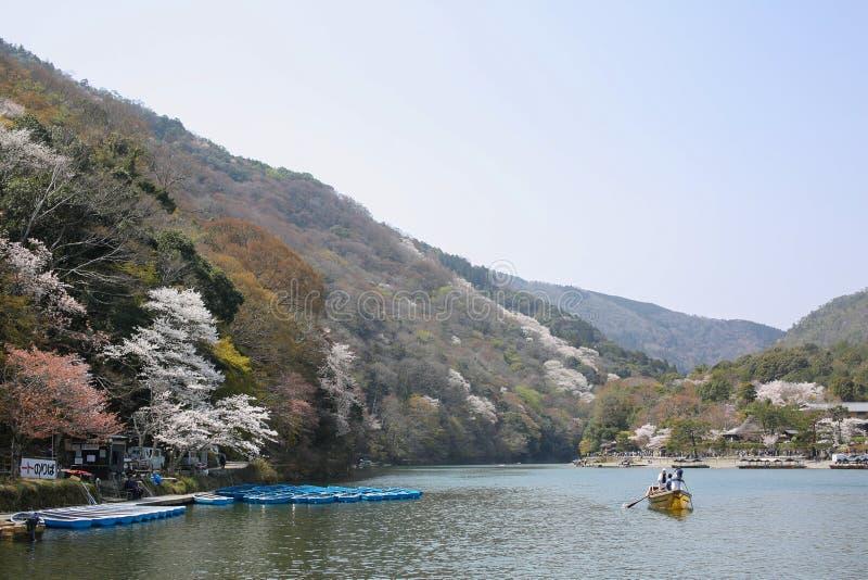 Tempo de mola em Arashiyama, Japão imagem de stock