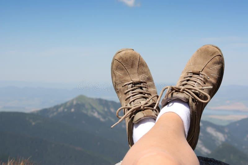 Tempo de relaxamento nas montanhas fotografia de stock royalty free