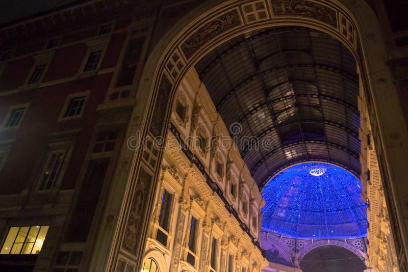 Tempo di Natale nella Milano-galleria Vittorio Emanuele fotografia stock