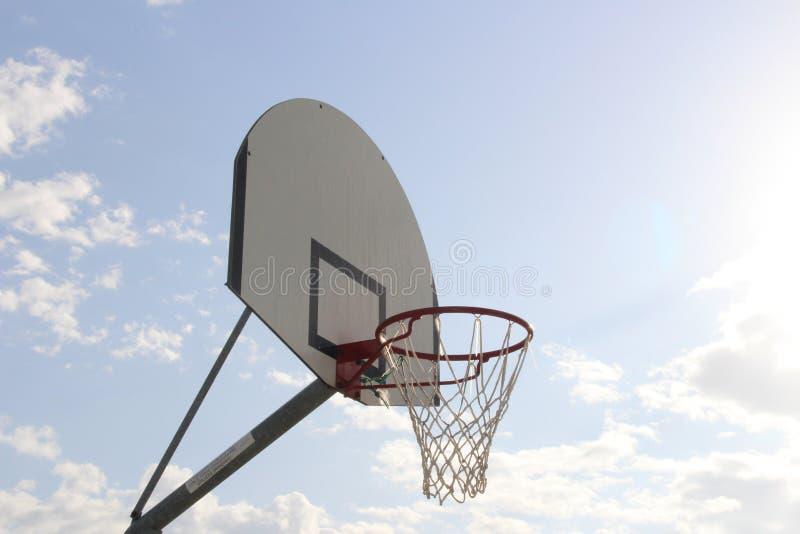 Tempo do basquetebol imagem de stock