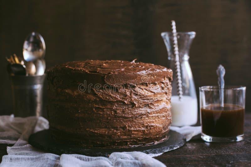 Tempo do bolo de chocolate imagem de stock