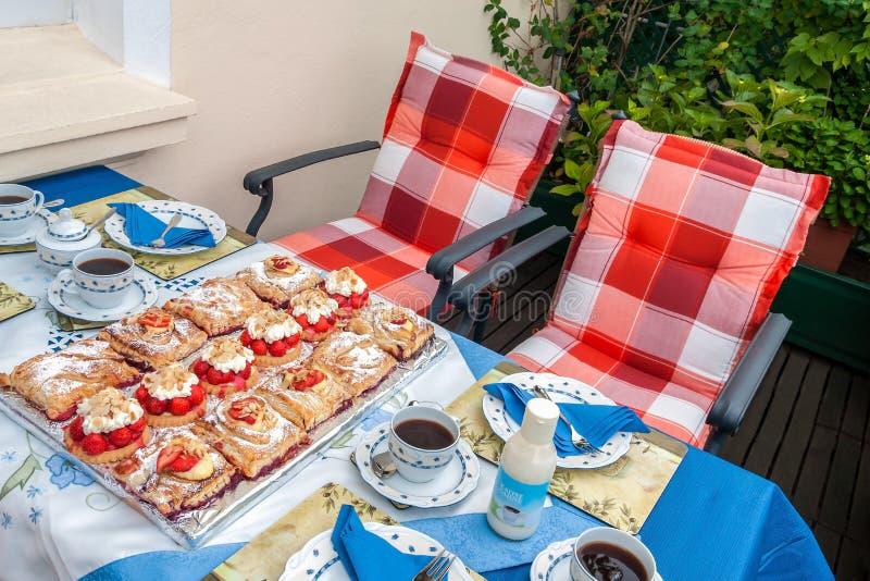 Tempo do café do verão fotos de stock royalty free