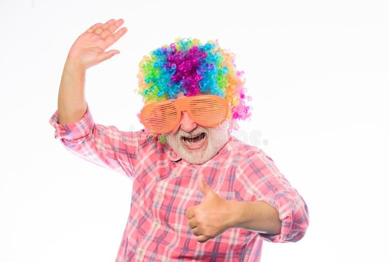 Tempo do divertimento Homem feliz com barba Aposentadoria da celebração Homem louco no humor brincalhão Feliz aniversario Partido imagens de stock royalty free