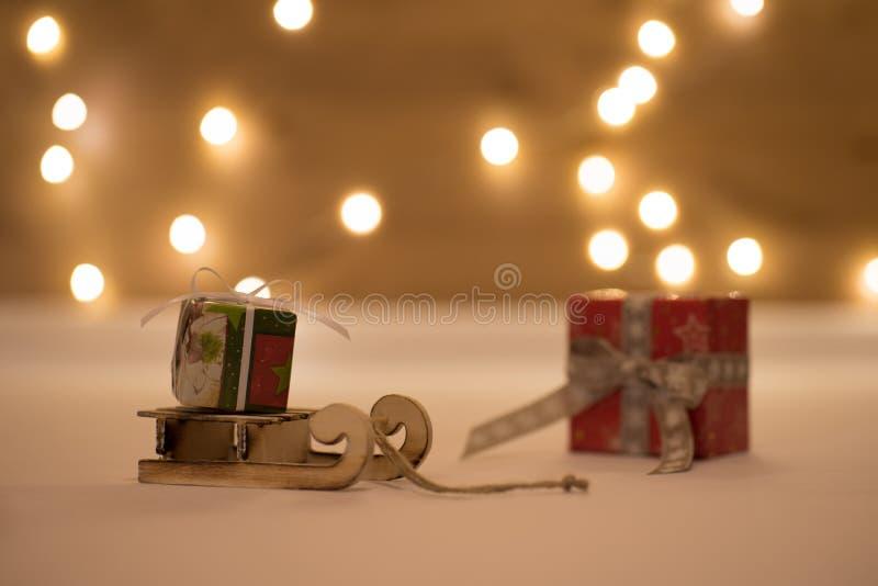 Tempo do Natal com bokeh e transporte fotos de stock