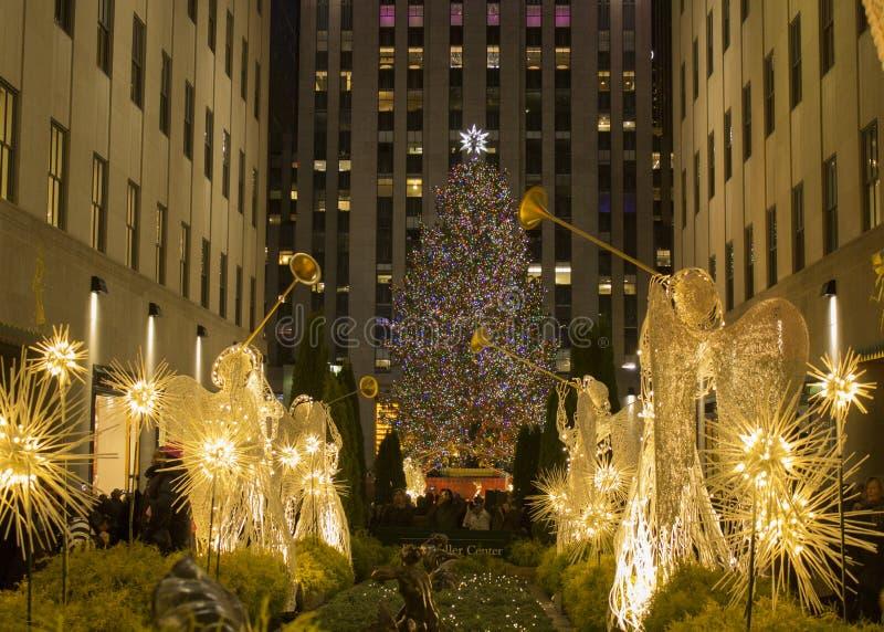 Tempo do Natal em New York - centro de Rockfeller da árvore de Natal fotografia de stock