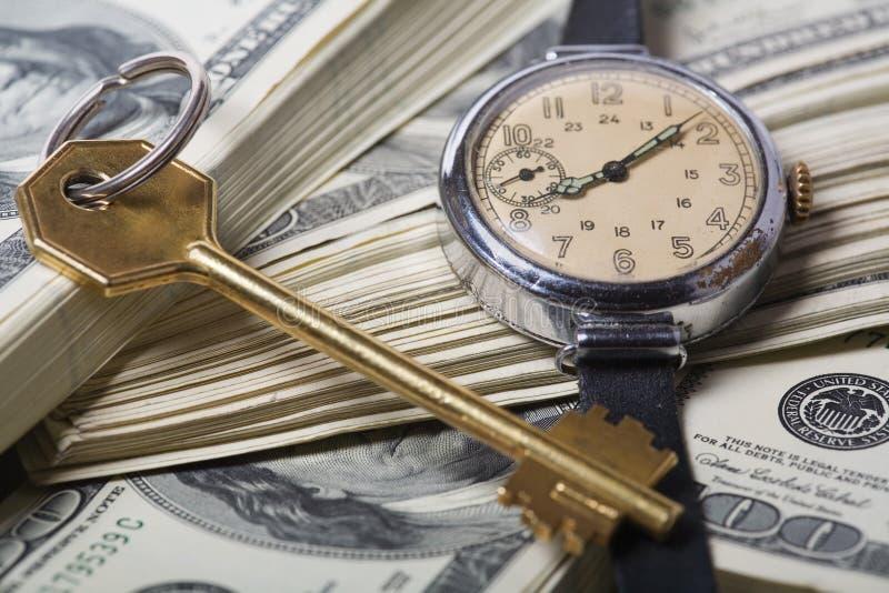 Tempo e soldi - concetti di successo di affari immagini stock libere da diritti