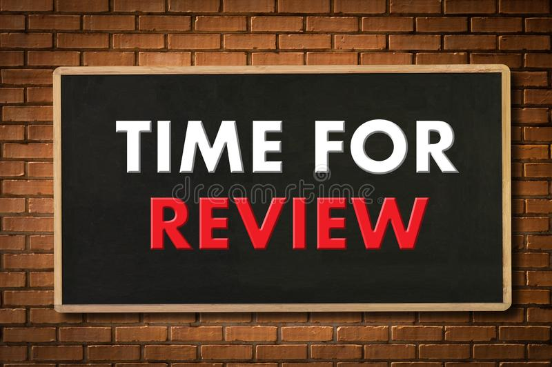 Tempo em linha da avalia??o das revis?es para o exame da avalia??o da inspe??o da revis?o imagens de stock royalty free