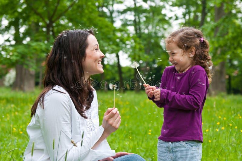 Tempo feliz da vida - matriz com criança imagem de stock royalty free