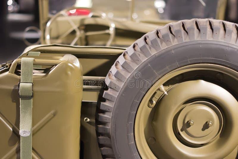 Tempo militar americano do veículo WW2 do vintage Vista traseira imagem de stock royalty free