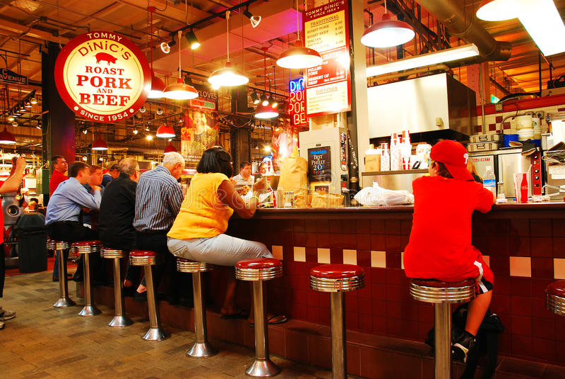 Tempo no mercado terminal da leitura, Philadelphfia do almoço fotos de stock royalty free