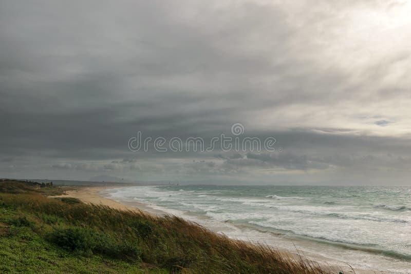 Tempo tempestoso dal mare, Tarifa, Spagna immagini stock