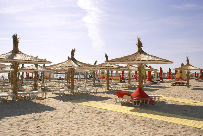 Temporada de verão no Mar Negro, na praia de Mamaia fotos de stock royalty free