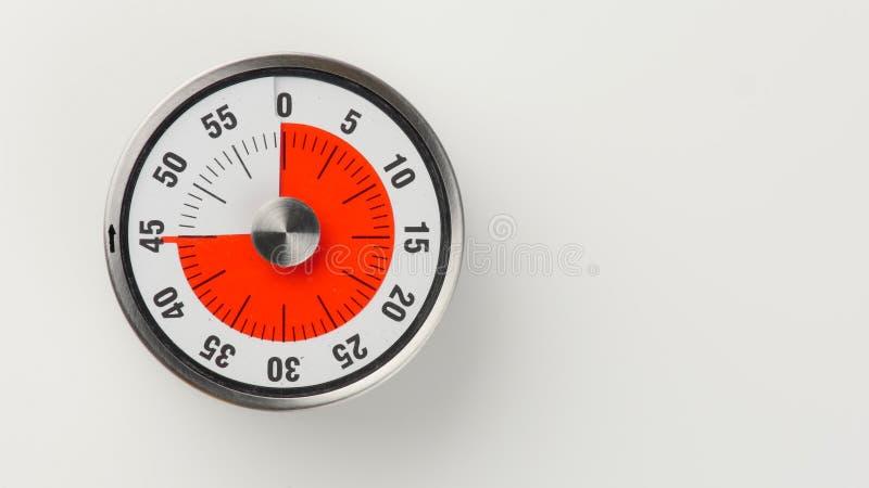 Temporizador análogo da contagem regressiva da cozinha do vintage, permanecer de 45 minutos imagens de stock