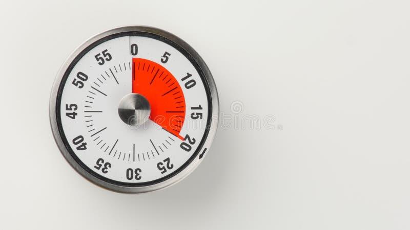 Temporizador análogo da contagem regressiva da cozinha do vintage, permanecer de 20 minutos fotos de stock
