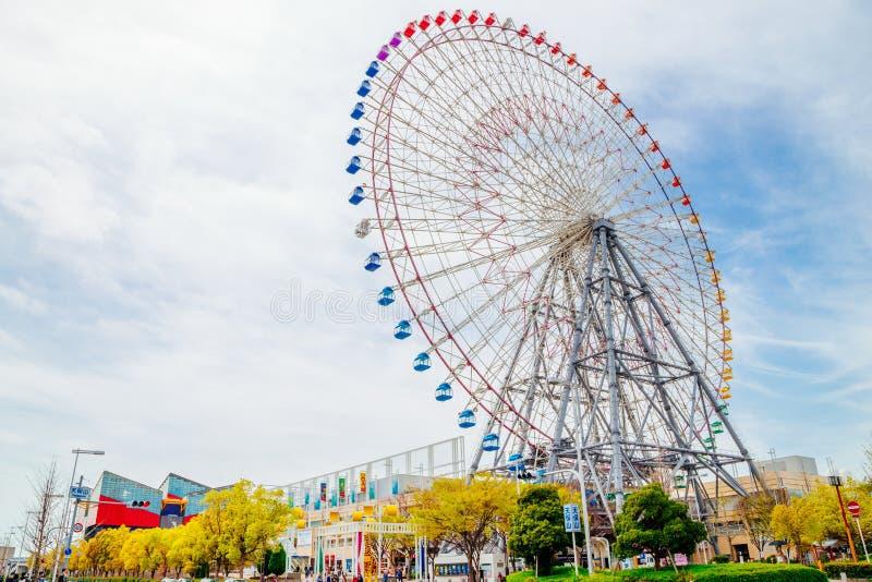 Tempozan Ferris Wheel a Osaka, Giappone fotografie stock
