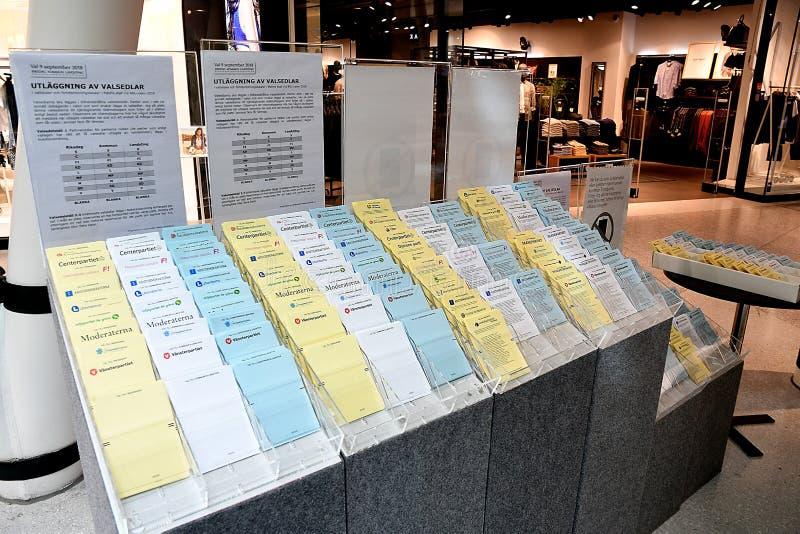 TEMPRANO VOTANDO EN ELECCIONES GENERALES SUECAS foto de archivo libre de regalías