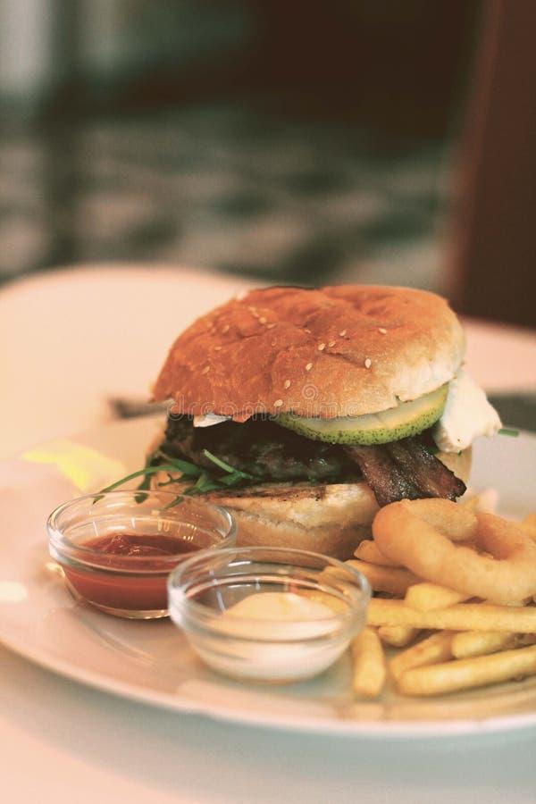 Temps d'hamburger images libres de droits