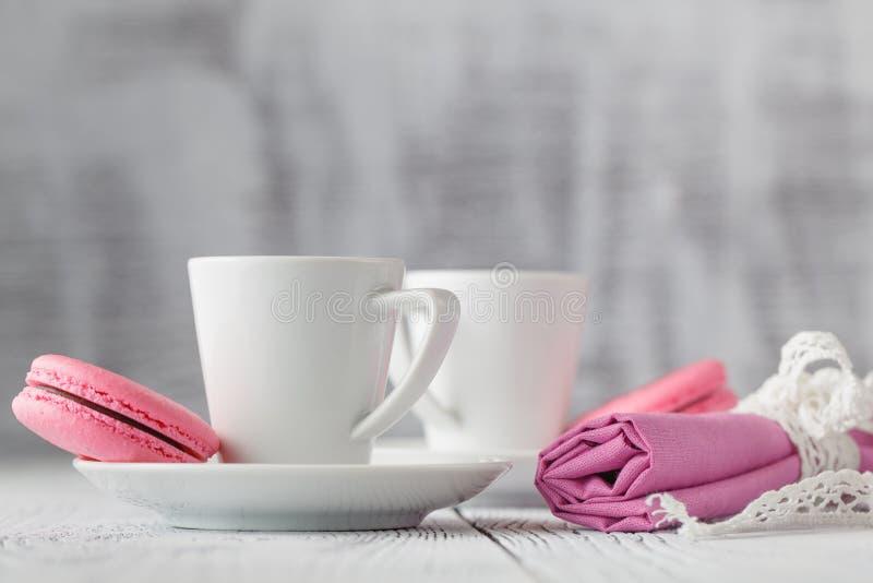 Download Temps de café sur la table image stock. Image du occasionnel - 77156071