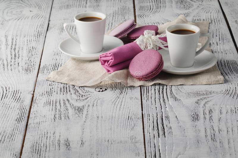 Download Temps de café sur la table image stock. Image du affaires - 77156973