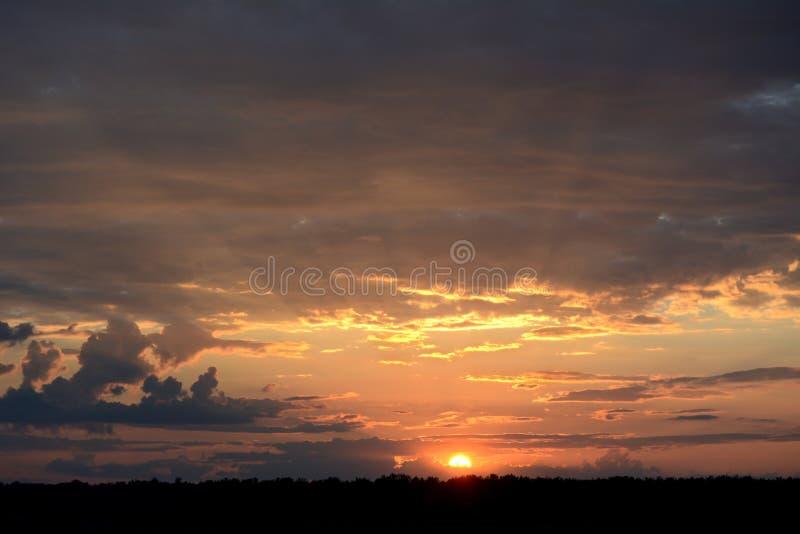 Temps de coucher du soleil image libre de droits