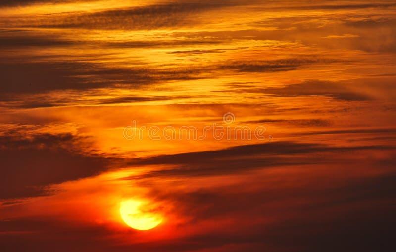 temps de coucher du soleil de ciel image libre de droits