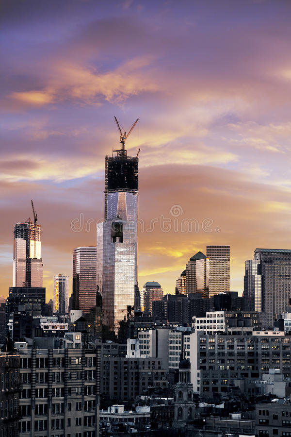 Lower Manhattan New York de tour de liberté de coucher du soleil d'hiver image stock