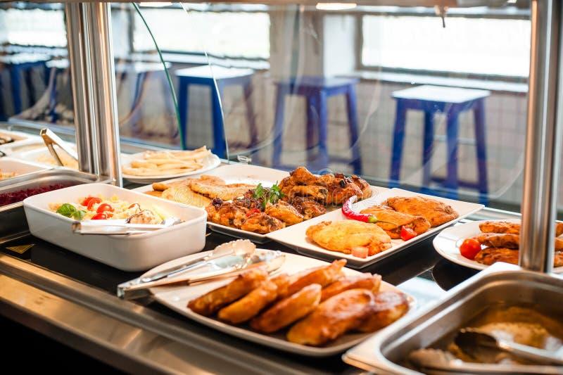 Temps de déjeuner d'exposition de nourriture image stock