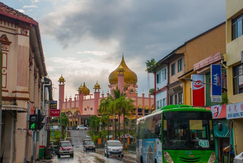 Temps de jour de Mosqueat de ville de Kuching, Sarawak, Malaisie Masjid Bahagian photos stock