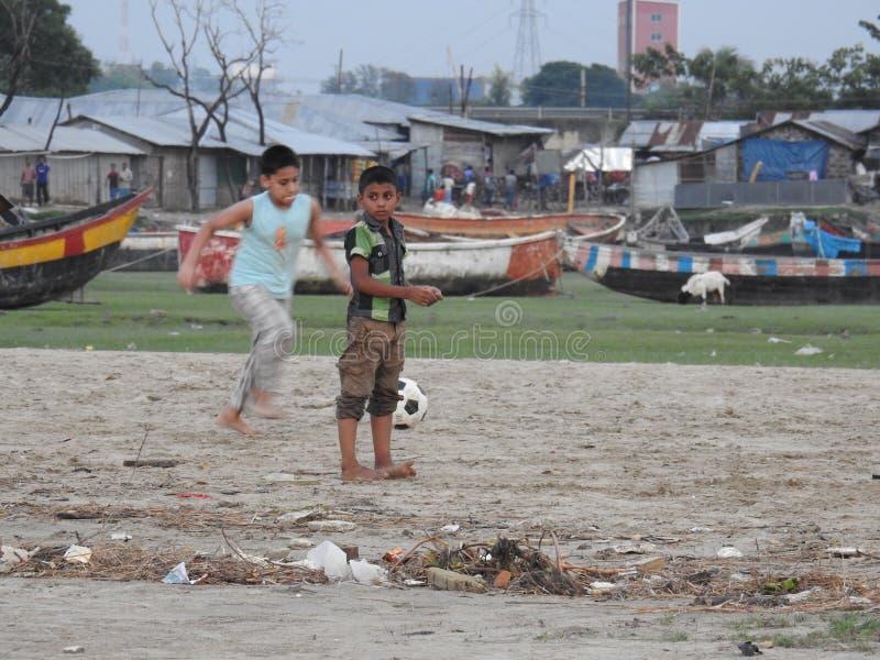 Temps de soirée à la plage de mer de Kattli, Chitagong photographie stock libre de droits