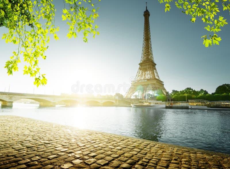 Temps de source à Paris image stock