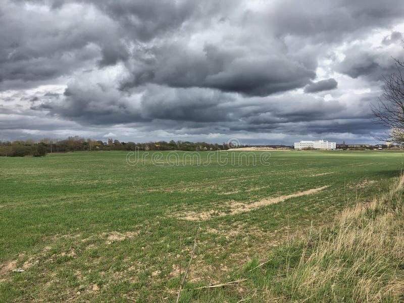 Temps de temps orageux au printemps image libre de droits