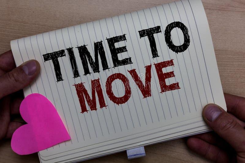 Temps des textes d'écriture de Word de se déplacer Concept d'affaires pour que la meilleure période transfère le changement de re photo stock