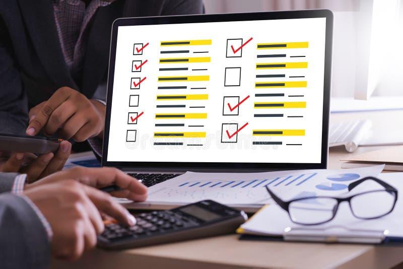 Temps en ligne d'évaluation de commentaires pour l'évaluation d'inspection d'examen photo stock