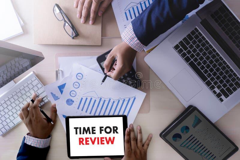 Temps en ligne d'évaluation de commentaires pour l'évaluation d'inspection d'examen image libre de droits