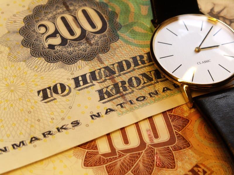 Download Temps et argent image stock. Image du euro, barre, bavure - 55905
