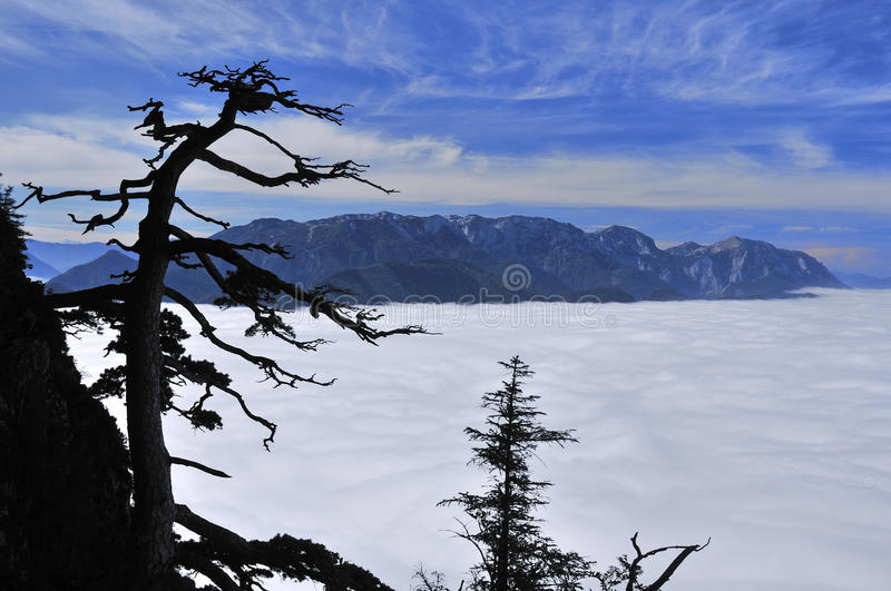 Temps inverse au-dessus de Traunsee image stock