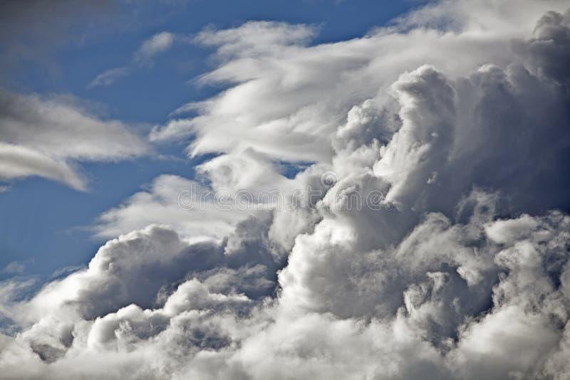 Temps orageux de nuages photo stock