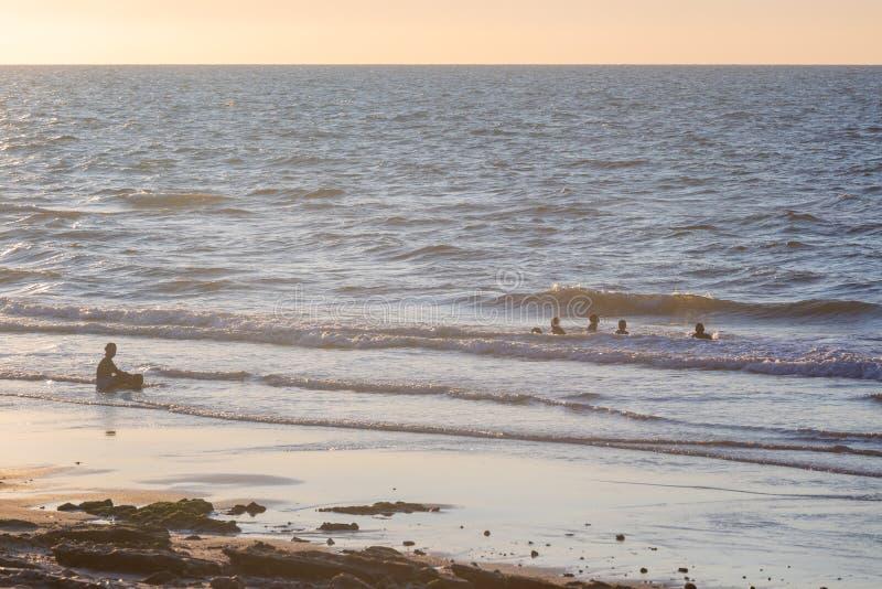 Temps paisible à la plage photo libre de droits