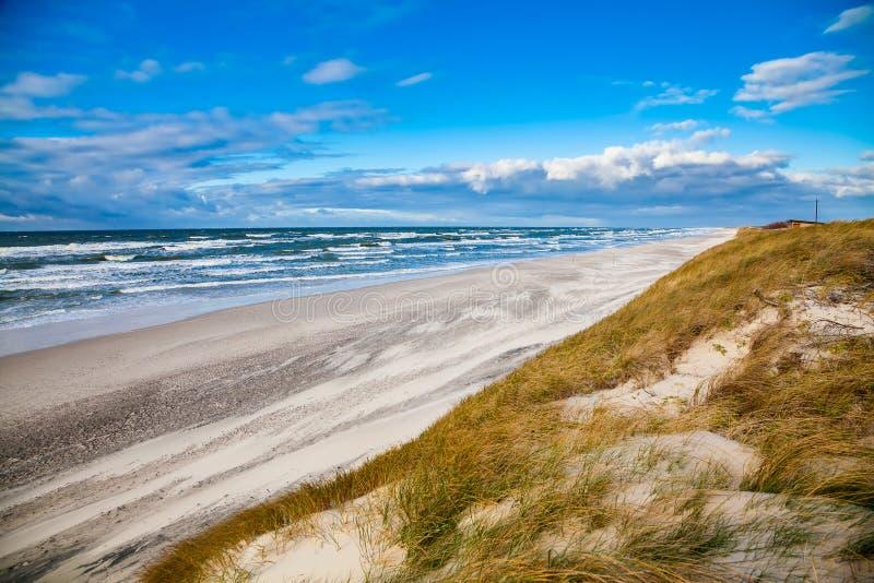 Temps venteux à la mer baltique images libres de droits