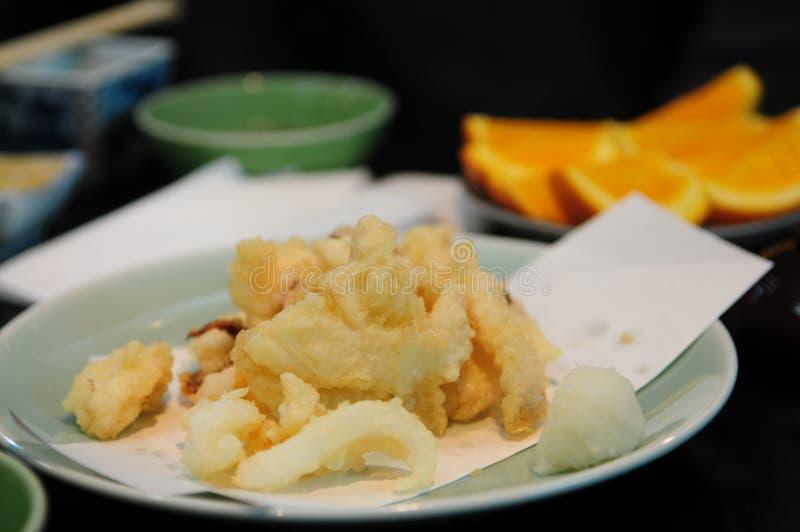 Tempura del calamar: Comida japonesa foto de archivo