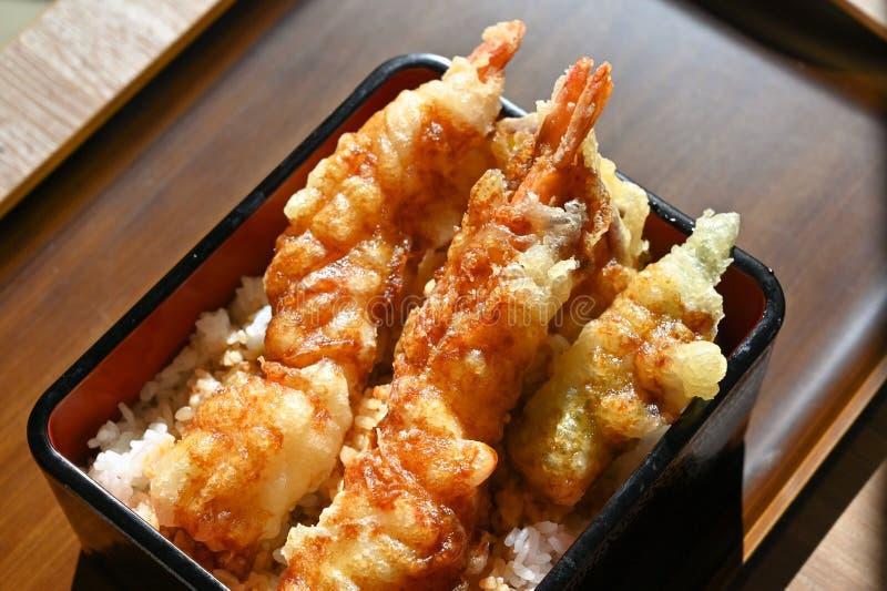 Tempura mit Reis, japanisches Essen stockfoto