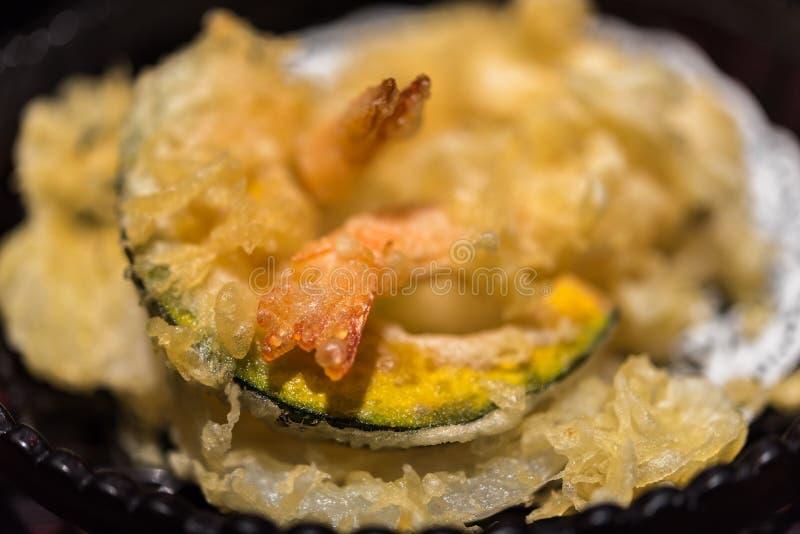 Tempura am thailändischem Straßenlebensmittelmarkt oder -restaurant stockbild