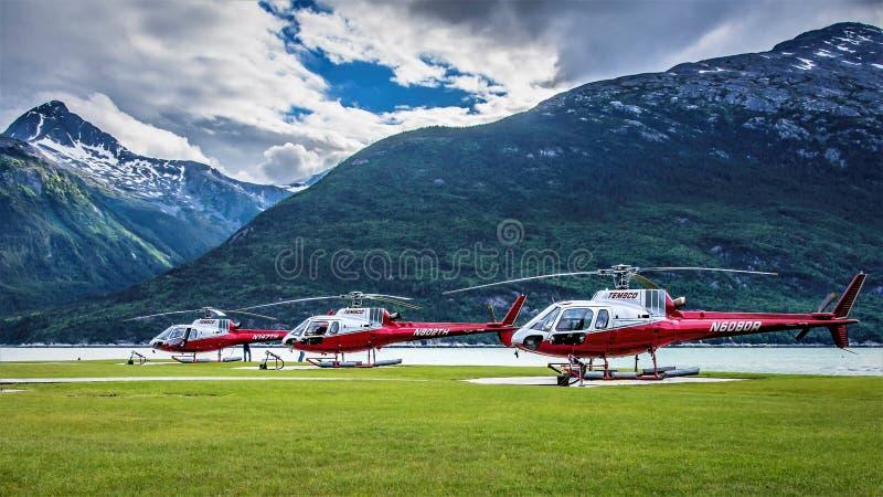 Temsco-Hubschrauber in Skagway, Alaska lizenzfreie stockbilder