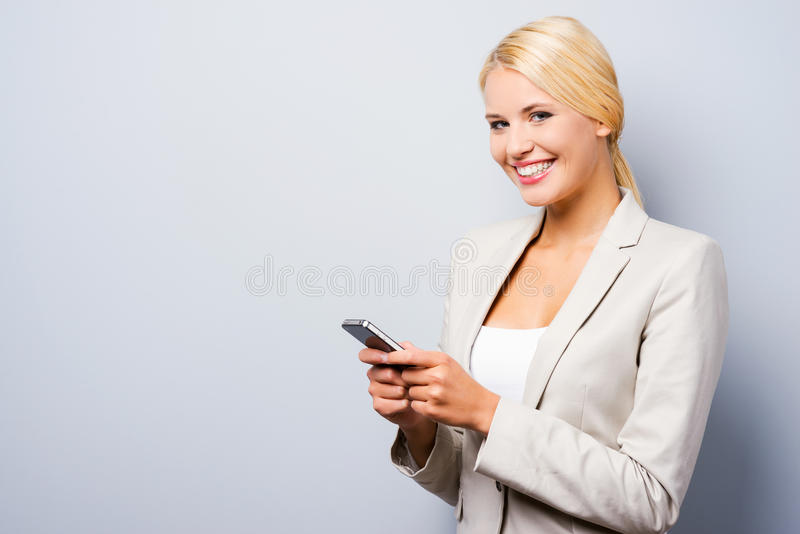 Ten telefon komórkowy jest dla mądrze ludzi zdjęcie royalty free