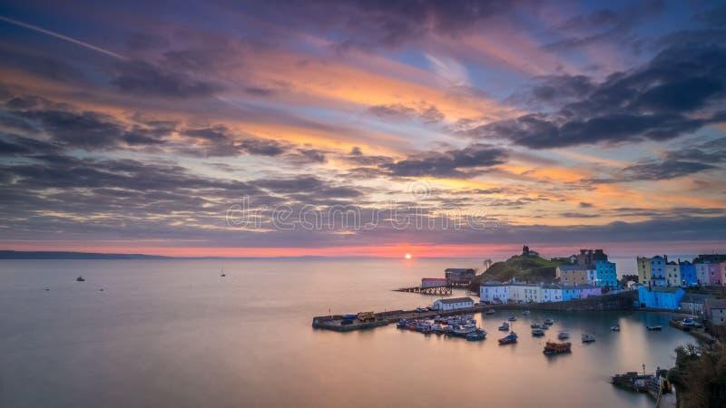 Tenbyhaven bij zonsopgang stock afbeelding