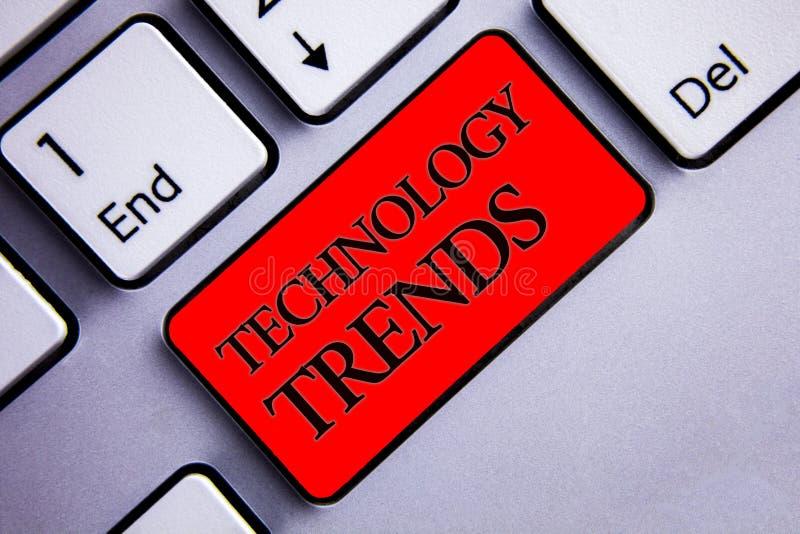 Tendências de tecnologia do texto da escrita da palavra Conceito do negócio para tender a exposição nova na moda viral moderna do imagem de stock