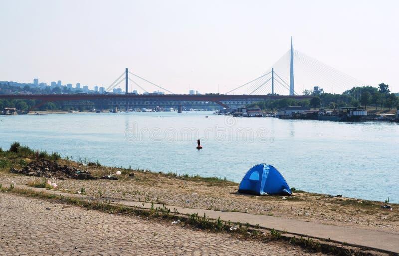 Download Tenda fotografia stock. Immagine di ponticelli, tenda - 56886834